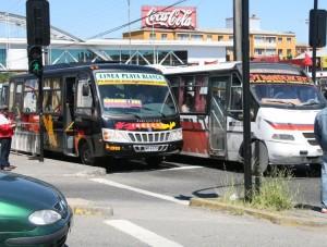 BUSES CORONEL LOTA MALOS TRATOS A PASAJEROS Y ALTA VELOCIDAD. EL SUR MARTES 23 DE OCTUBRE DE 2007