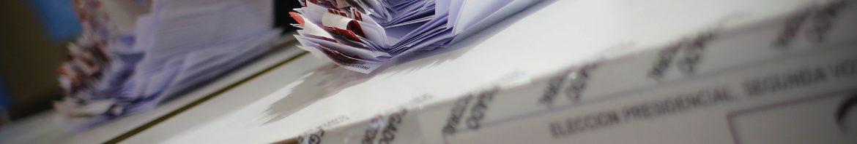 CONCEPCION, 17 de diciembre  2017   Conteo de votos en esta segunda vuelta elecciones presidenciales.  FOTO: ALEJANDRO ZOÑEZ/AGENCIA UNO